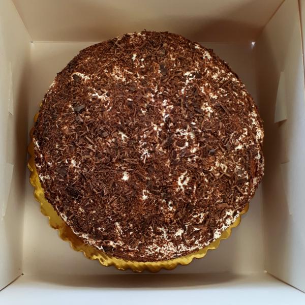 choco-cream-cake-box