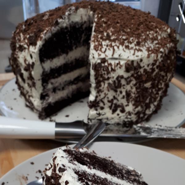 choco-cream-cake